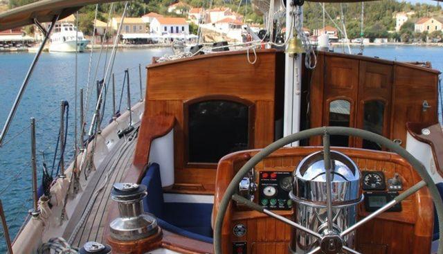 Windweaver of Pennington Charter Yacht - 4