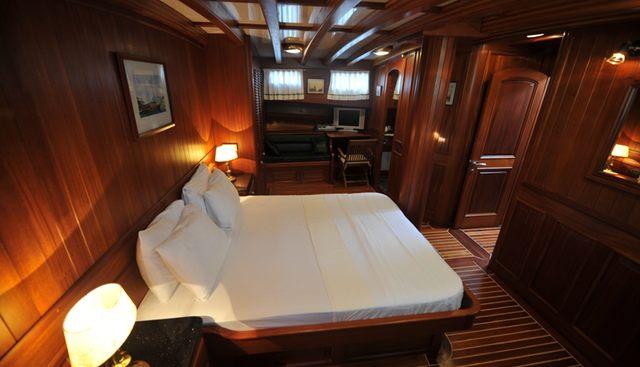 Carpe Diem I Charter Yacht - 8