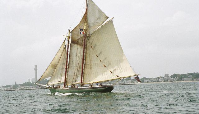 Lettie G Howard Charter Yacht - 2