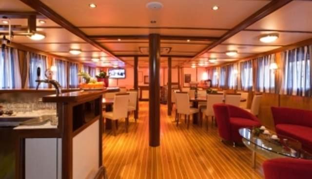 Amorena Charter Yacht - 2