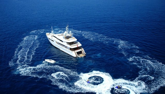 Magenta M Charter Yacht
