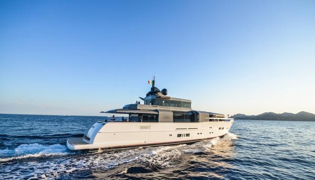 Aria.S Charter Yacht