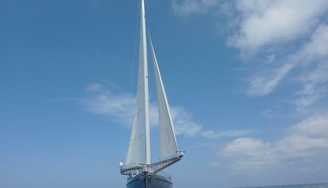 Dwinger Charter Yacht - 3