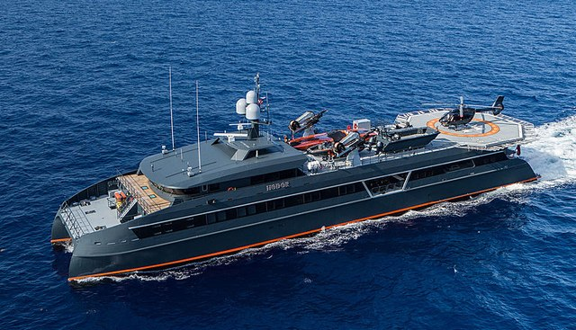 Hodor Charter Yacht