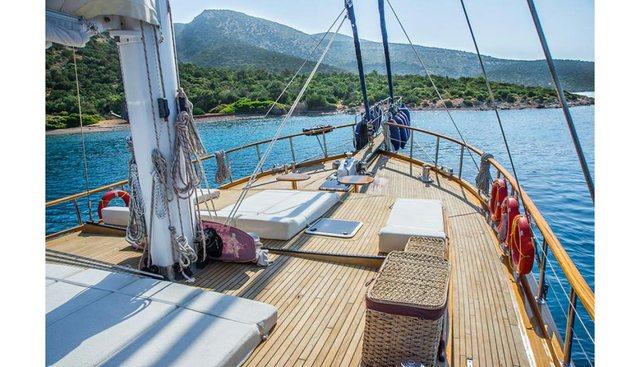 Dea Del Mare Charter Yacht - 2