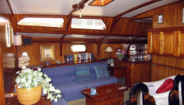 Chardonnay Charter Yacht - 4