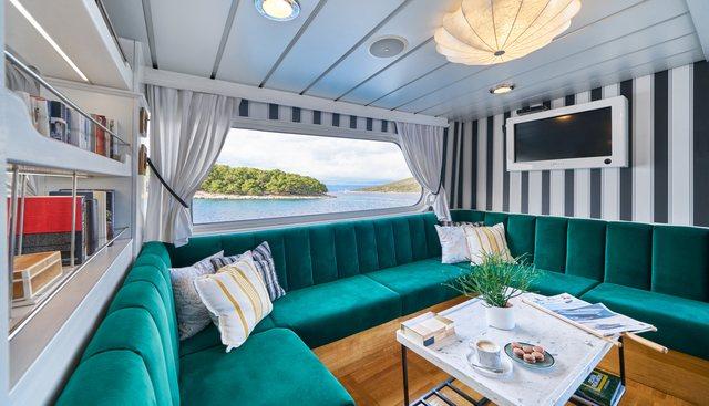 La Perla Charter Yacht - 6