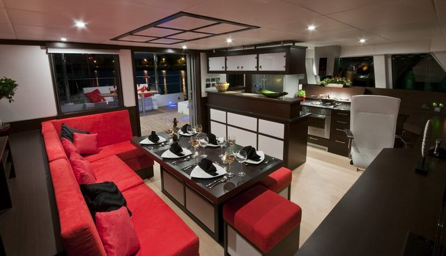 In The Wind Charter Yacht - 5