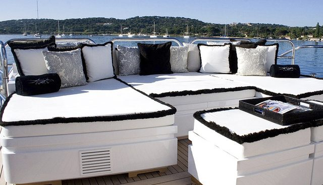 Pure One Charter Yacht - 4