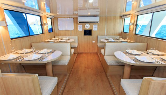 Aqua Charter Yacht - 8