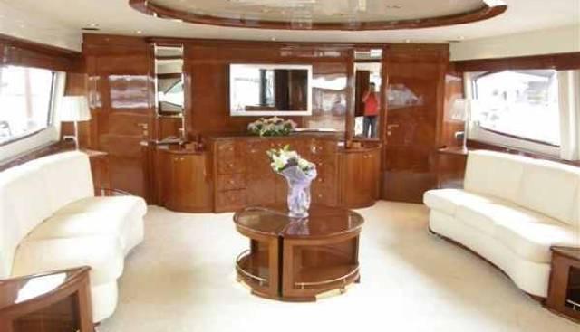 Azimut Jumbo 100 Charter Yacht - 4