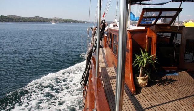 Perla Charter Yacht - 3
