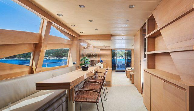 Hummingbird Charter Yacht - 7