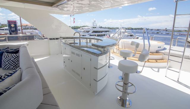 Long Aweighted Charter Yacht - 3