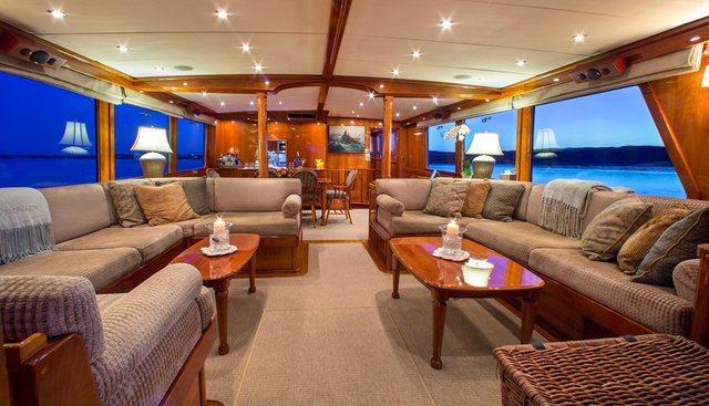 Tumblehome Charter Yacht - 6