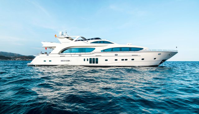 D'Angleterre Charter Yacht