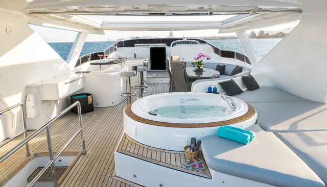 D'Angleterre Charter Yacht - 2