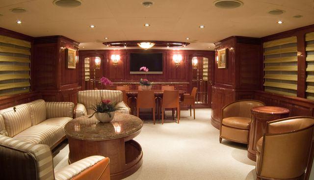 Chillin Charter Yacht - 4