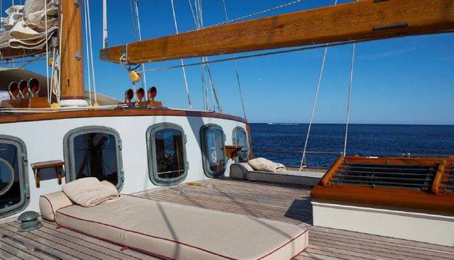 Silver Spray Charter Yacht - 4