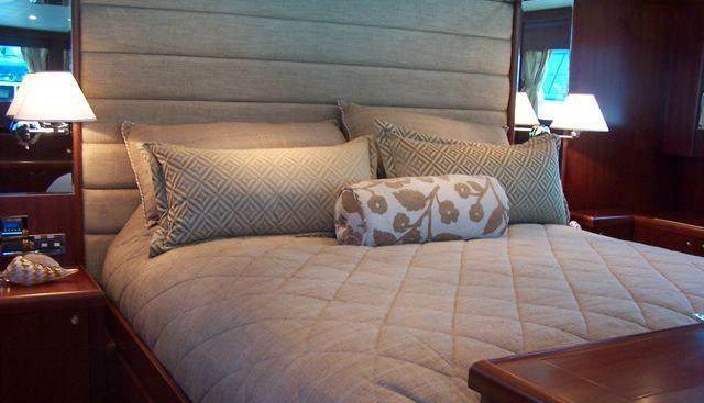 Lexington Blue Charter Yacht - 5