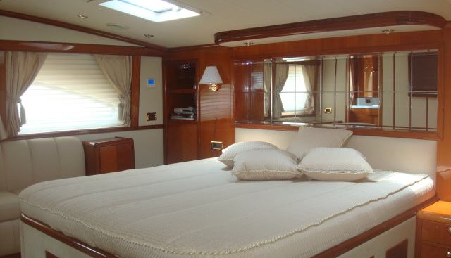 Miss Behaviour Charter Yacht - 3