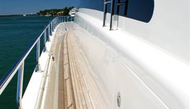 Veloce Charter Yacht - 5