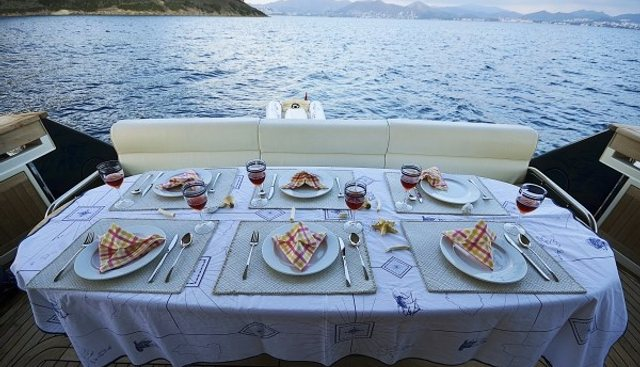 Sakura Charter Yacht - 4