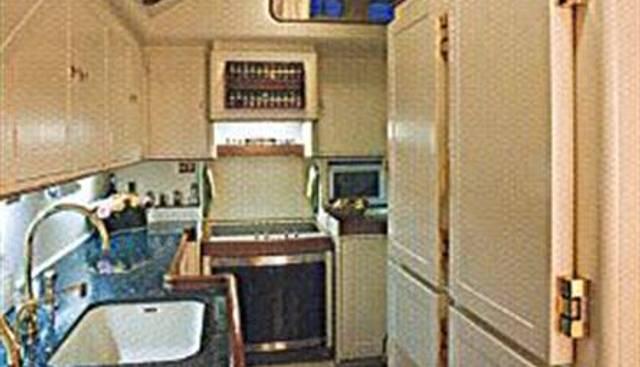 Audrey II Charter Yacht - 7