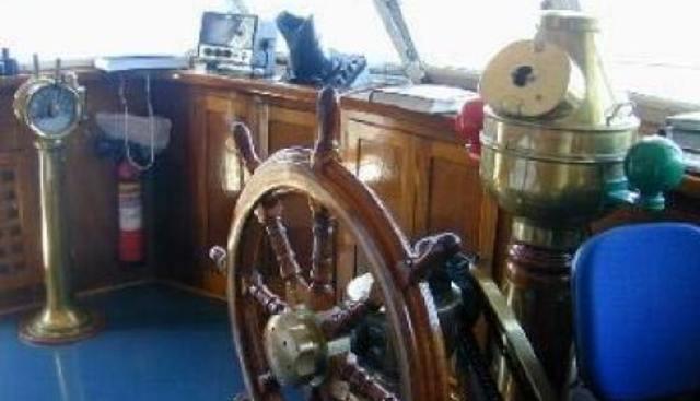 Dear B Charter Yacht - 3