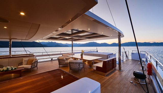 Extreme Charter Yacht - 4