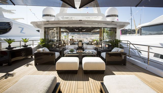 Illusion V Charter Yacht - 3