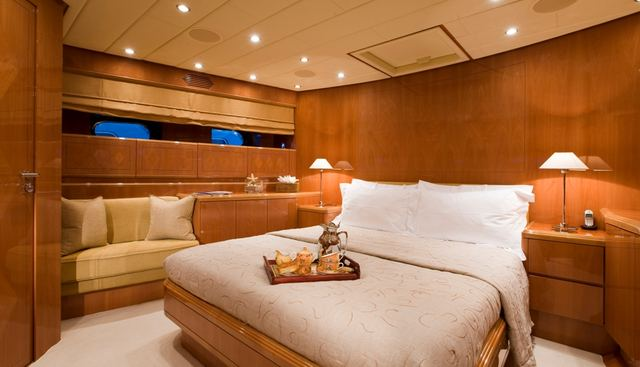 Bluebird of Happiness Charter Yacht - 8