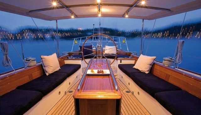 Seabiscuit Charter Yacht - 4
