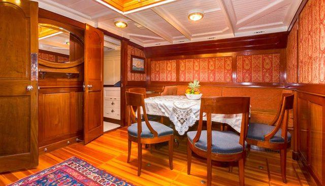 Mariquita Charter Yacht - 6