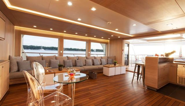 Robbie Bobby Charter Yacht - 8