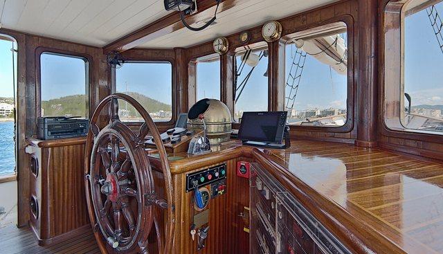 Truelove Charter Yacht - 6