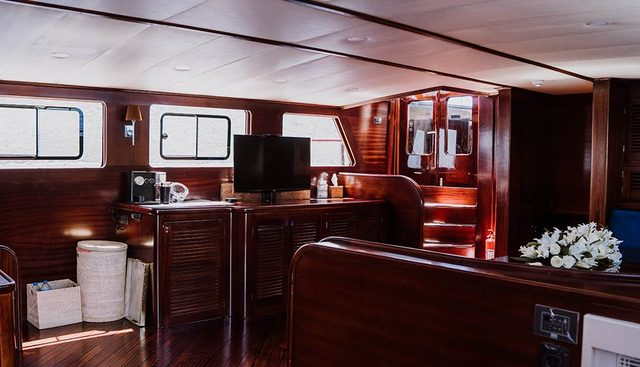 Capricorn 1 Charter Yacht - 7