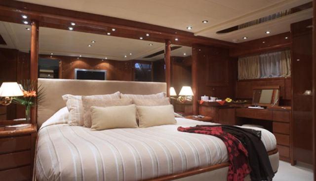 Champagne O'Clock Charter Yacht - 8