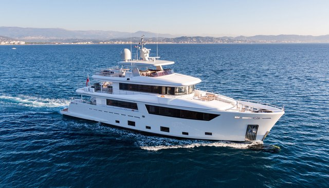 Narvalo Charter Yacht