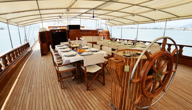 Holiday X Charter Yacht - 8