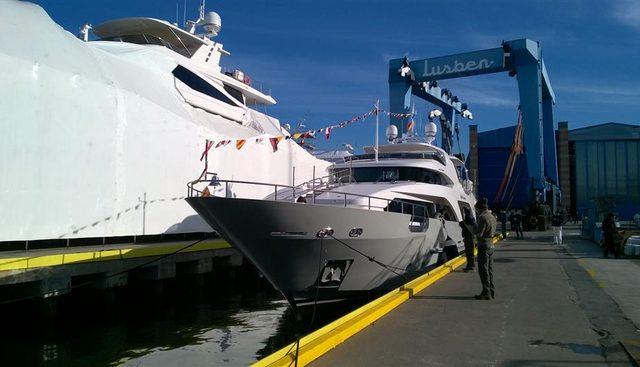 Horizon Charter Yacht