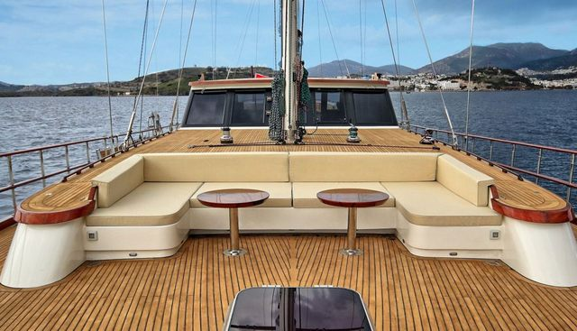 Dragon Fly Charter Yacht - 3