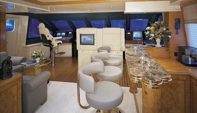 Red Sapphire Charter Yacht - 3