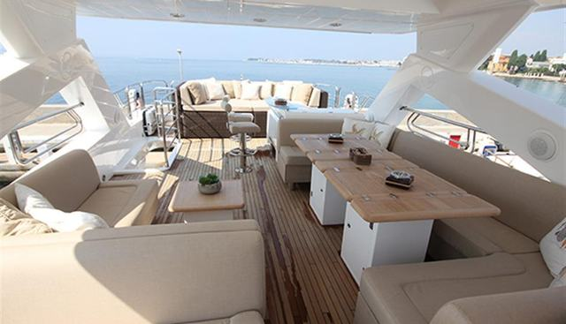 Forward Unlimited Charter Yacht - 3