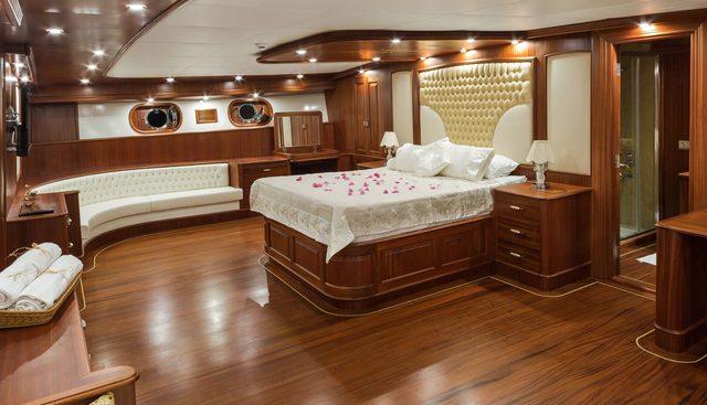 Halcon Del Mar Charter Yacht - 8