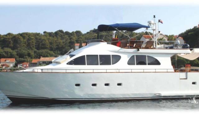 Lola II Charter Yacht