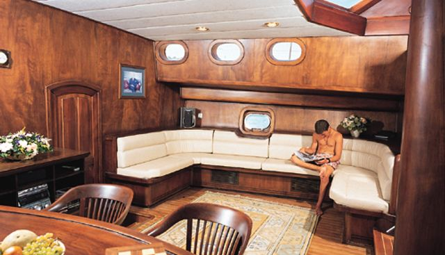 Motif Charter Yacht - 8