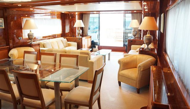 Oval Charter Yacht - 7