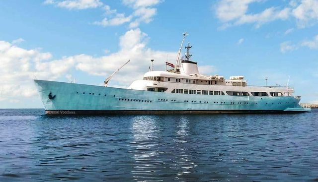 Rose Charter Yacht