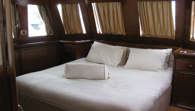 Black Pepper Charter Yacht - 8